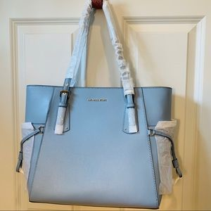[MICHAEL KORS] VOYAGER Powder Blue Tote NWT
